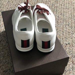 47ebb5ffc69 Gucci Shoes - Men Gucci low top SDOT sneakers.